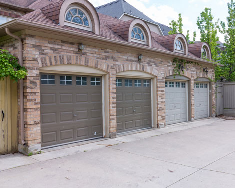 Installed garage doors in Ossining New York